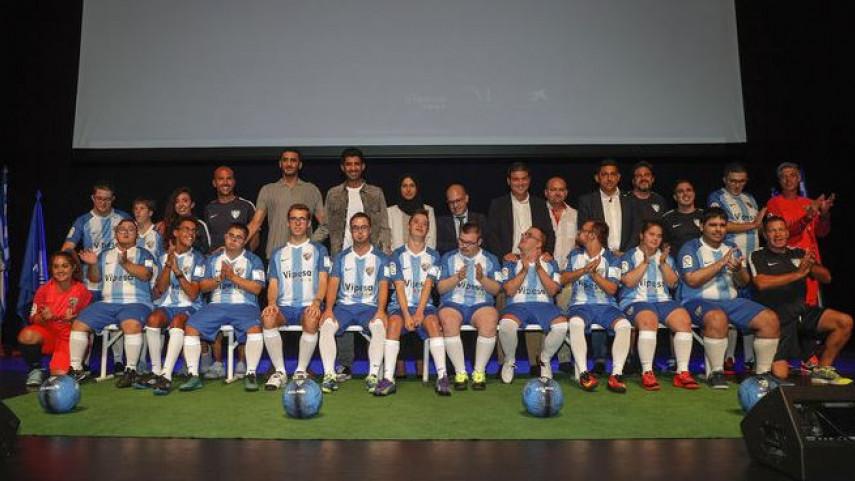 La Federación de Peñas Malaguistas asistió a la presentación del Málaga Genuine